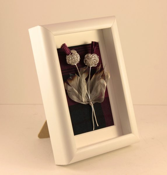 Handmade Wire Thistle Framed white _6.5x 4.5 x 1.5_65 (2)