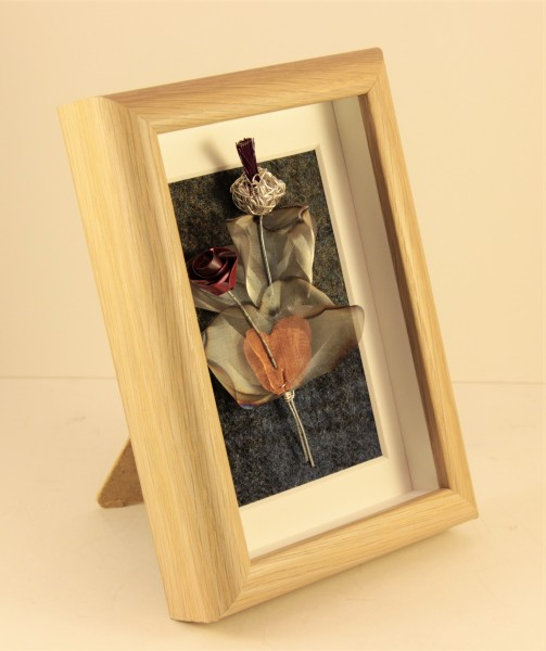 Handmade Wire Thistle and Rose Framed Oak effect _6.5x 4.5 x 1.5_65 (2)