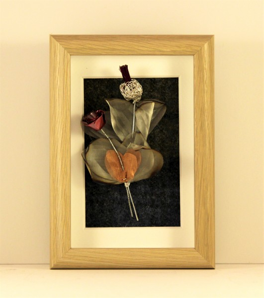 Handmade Wire Thistle and Rose Framed Oak effect _6.5x 4.5 x 1.5_65
