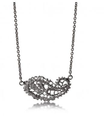 I love a lassie_Antique lace_Paisley necklace_Black rhodium