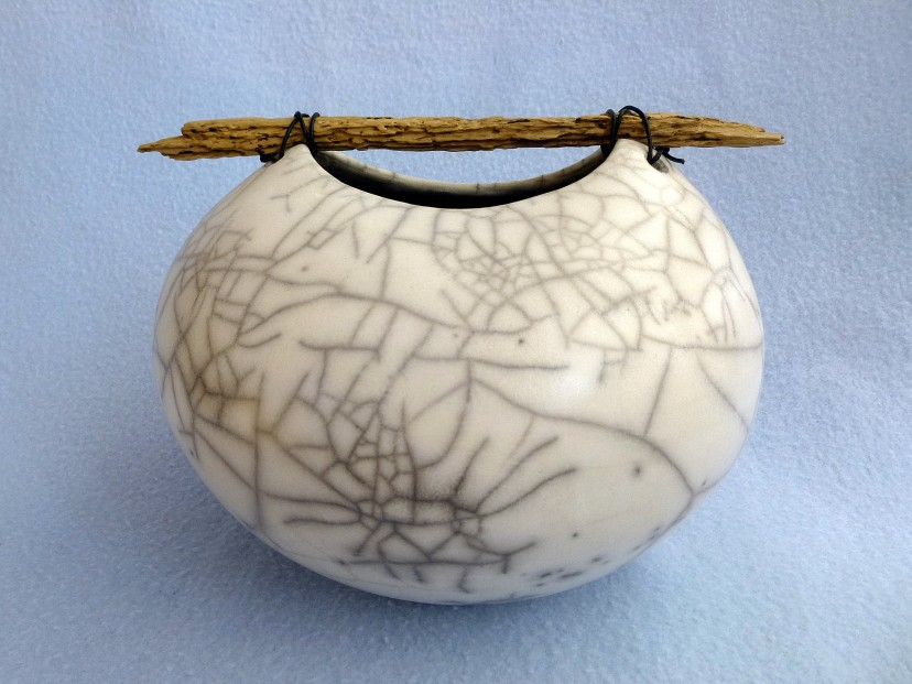 6. large rounded crackle pot