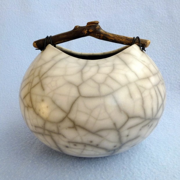 8 rounded crackle pot